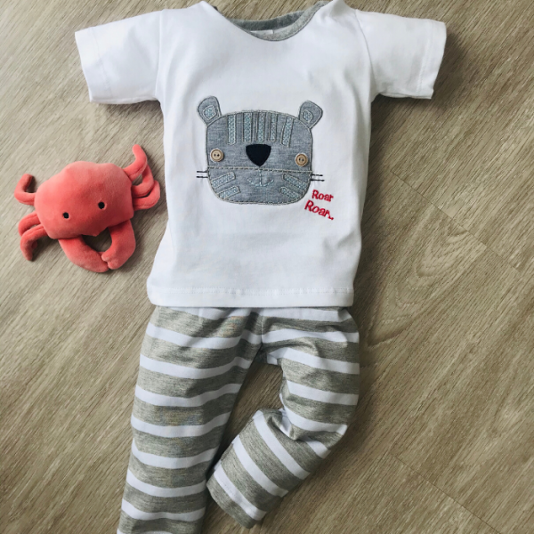 Pijama dos piezas unisex Roar